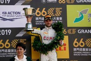 Podio: ganador de la carrera #99 ROWE Racing Porsche 911 GT3 R: Laurens Vanthoor