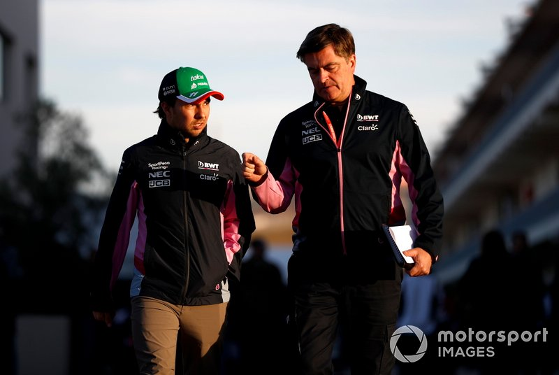 Sergio Perez, Racing Point, e Andy Stevenson, Sporting Director, Racing Point