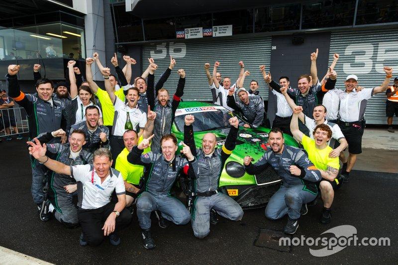Winner team #7 Bentley Team M-Sport Bentley Continental GT3: Jules Gounon, Maxime Soulet, Jordan Pepper