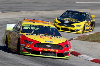 Joey Logano, Team Penske, Ford Mustang Shell Pennzoil, Brad Keselowski, Team Penske, Ford Mustang Alliance Truck Parts