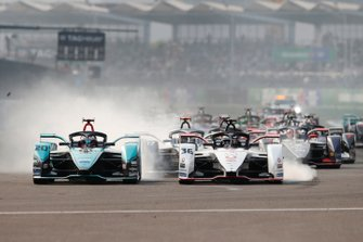 Mitch Evans, Jaguar Racing, Jaguar I-Type 4 battles with Andre Lotterer, Porsche, Porsche 99x Electric