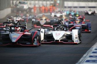 Sébastien Buemi, Nissan e.Dams, Nissan IMO2 Andre Lotterer, Porsche, Porsche 99x Electric