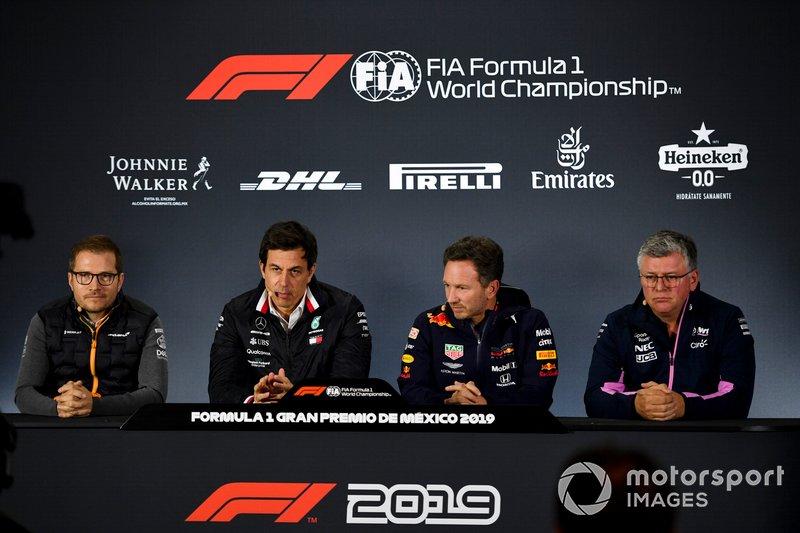 Andreas Seidl, Team Principal, McLaren, Toto Wolff, directeur exécutif, Mercedes AMG, Christian Horner, Team Principal, Red Bull Racing et Otmar Szafnauer, Team Principal, Racing Point, en conférence de presse