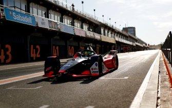 Lucas Di Grassi, Audi Sport ABT Schaeffler, Audi e-tron FE06 exits the pit lane
