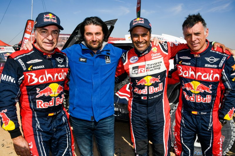 #305 JCW X-Raid Team: Carlos Sainz, Lucas Cruz, David Castera, director of the Dakar Rally, #300 Toyota Gazoo Racing: Nasser Al-Attiyah