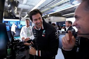 Toto Wolff, Executive Director (Business), Mercedes AMG, celebrates pole for Valtteri Bottas, Mercedes AMG F1