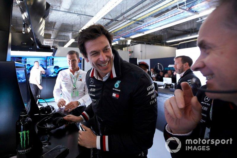 Toto Wolff, Executive Director (Business), Mercedes AMG, festeggia la pole per Valtteri Bottas, Mercedes AMG F1