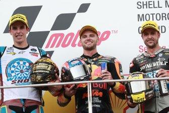 Podio: Brad Binder, KTM Ajo, segundo clasificado Alex Márquez, Marc VDS Racing, tercer clasificado Thomas Luthi, Intact GP, carrera de Moto2