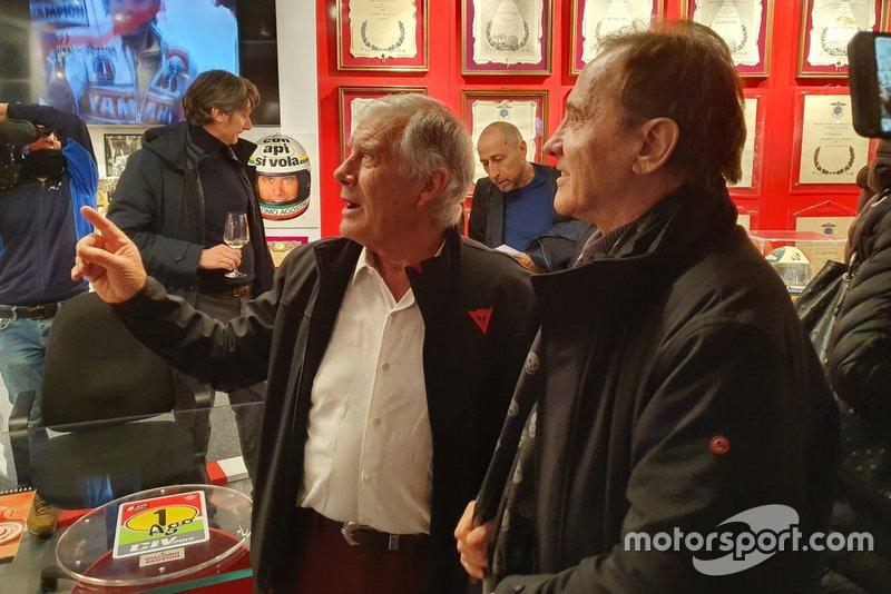 Giacomo Agostini e Roby Facchinetti, frontman dei Pooh