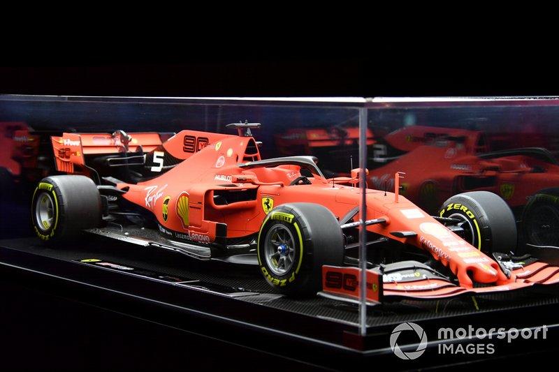 El Ferrari SF90 a escala