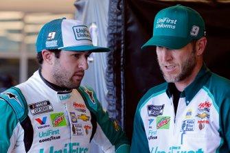 Chase Elliott, Hendrick Motorsports, Chevrolet Camaro Unifirst and crew chief Alan Gustafson