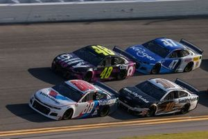 Alex Bowman, Hendrick Motorsports, Chevrolet Camaro Valvoline Jimmie Johnson, Hendrick Motorsports, Chevrolet Camaro Ally Aric Almirola, Stewart-Haas Racing, Ford Mustang Smithfield Ricky Stenhouse Jr., JTG Daugherty Racing, Chevrolet Camaro Kroger