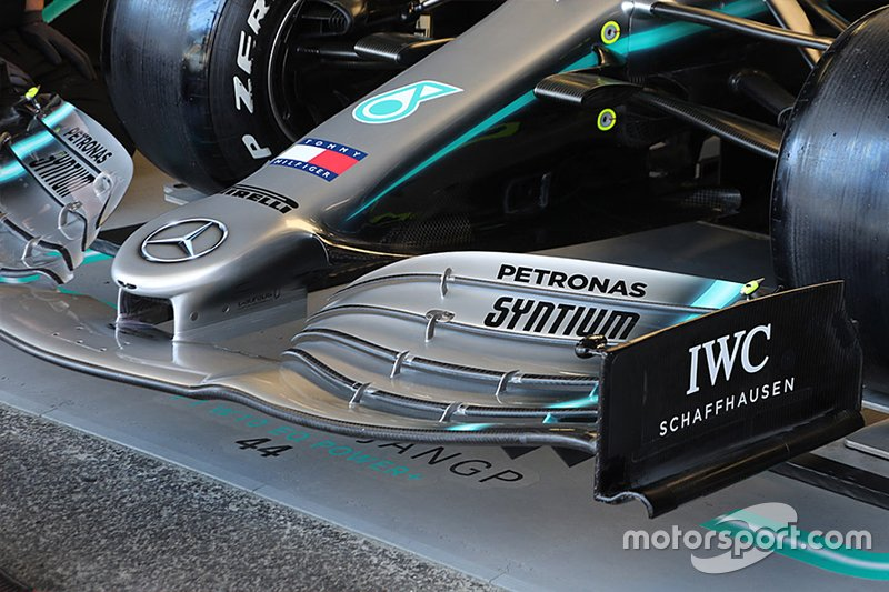 Mercedes-AMG F1 W10 Front Wing