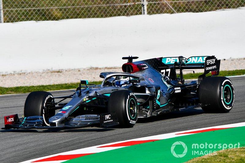 Valtteri Bottas au volant de la Mercedes F1 W11
