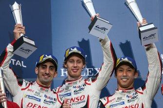 Podio: #8 Toyota Gazoo Racing Toyota TS050 - Hybrid: Sébastien Buemi, Kazuki Nakajima, Brendon Hartley