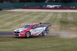 Scott Pye, Warren Luff, Walkinshaw Andretti United Holden run wide