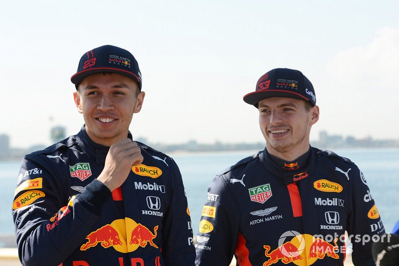 Alex Albon, Red Bull Racing e Max Verstappen, Red Bull Racing all'evento Red Bull Grand Pier in St Kilda