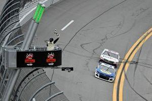 Chase Elliott, Hendrick Motorsports, Chevrolet Camaro, Denny Hamlin, Joe Gibbs Racing, Toyota Camry