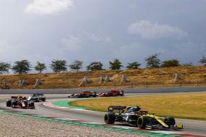 Esteban Ocon, Renault F1 Team R.S.20, Alex Albon, Red Bull Racing RB16, Pierre Gasly, AlphaTauri AT01