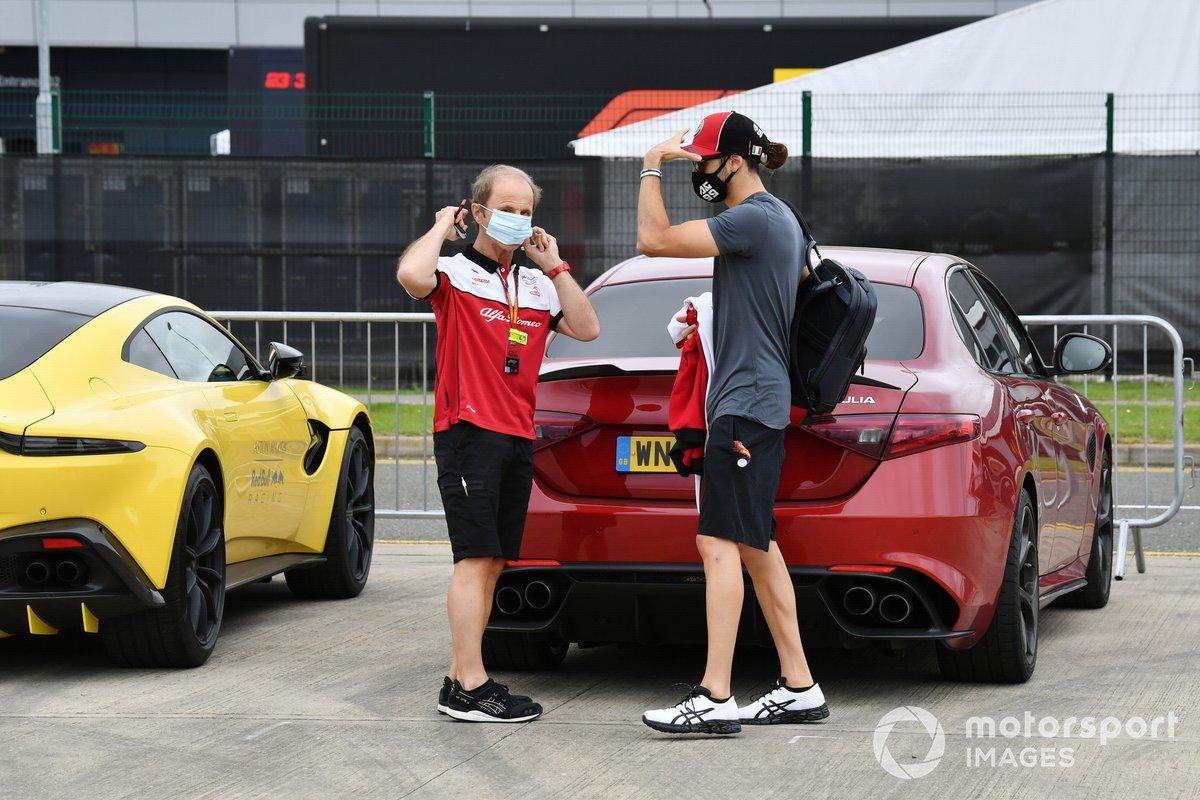 Antonio Giovinazzi, Alfa Romeo sale de su Giulia con Josef Leberer