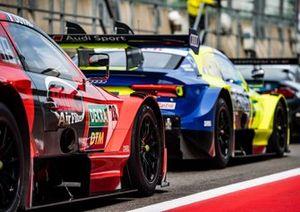 Лоик Дюваль, Audi Sport Team Phoenix, Audi RS 5 DTM и Майк Роккенфеллер, Audi Sport Team Phoenix, Audi RS 5 DTM