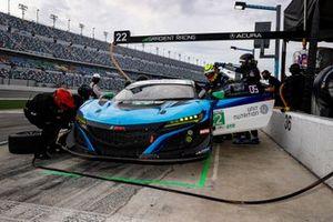 #22 Gradient Racing Acura NSX GT3, GTD: Till Bechtolsheimer, Marc Miller, pit stop