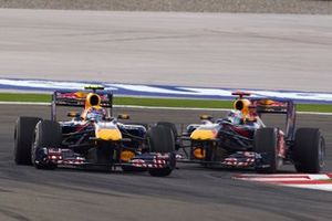 Mark Webber, Red Bull Racing RB6 Renault leads Sebastian Vettel, Red Bull Racing RB6 Renault
