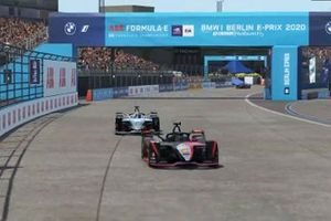 Oliver Rowland, Nissan e.Dams, leads Stoffel Vandoorne, Mercedes Benz EQ