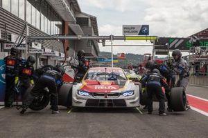 Sheldon van der Linde, BMW Team RBM, BMW M4 DTM, arrêt au stand