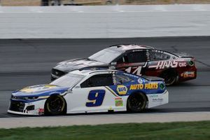 Chase Elliott, Hendrick Motorsports, NAPA Auto Parts Chevrolet Camaro, Clint Bowyer, Stewart-Haas Racing, Haas Automation Ford Mustang