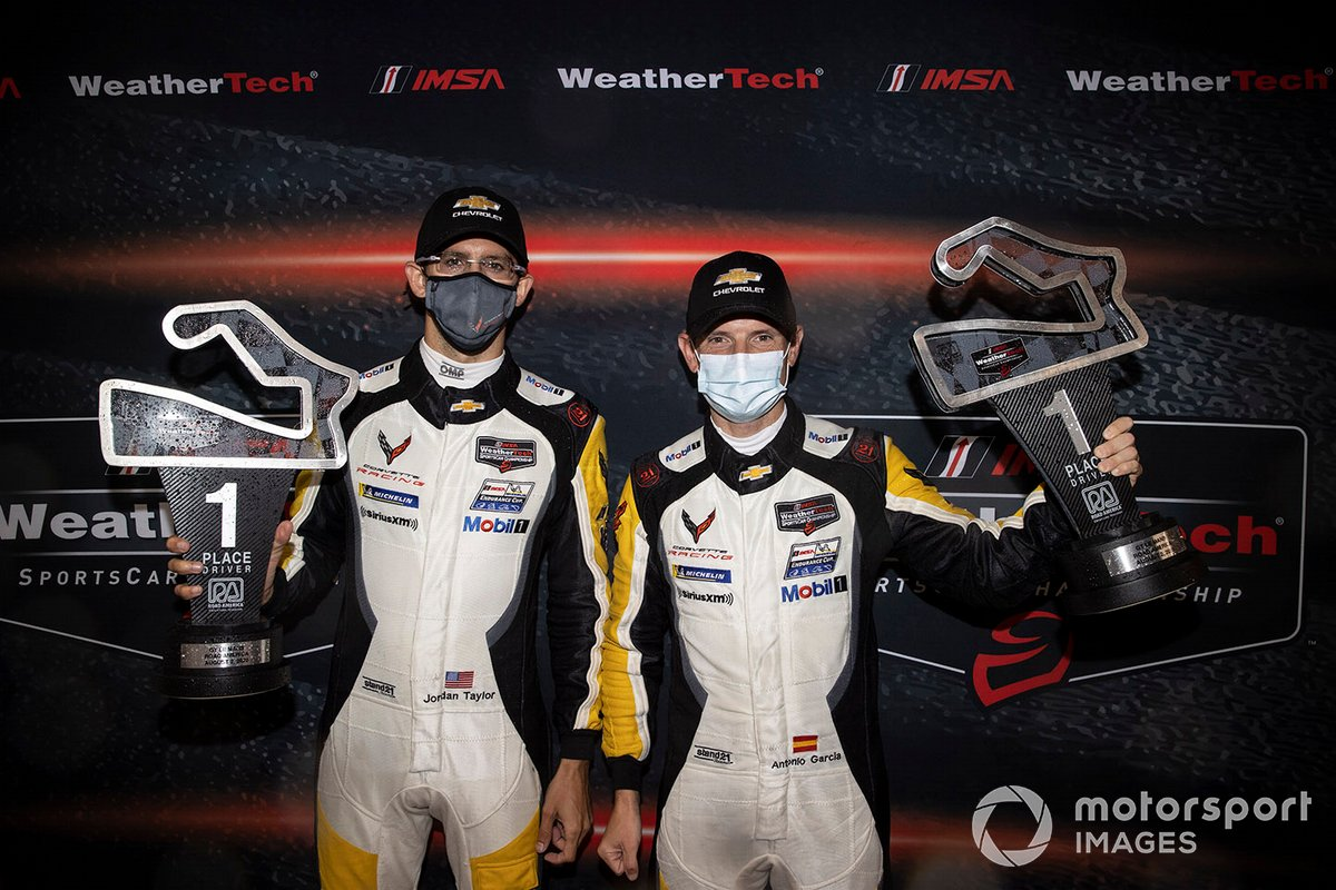 GTLM ganadores #912 Porsche GT Team Porsche 911 RSR: Earl Bamber, Laurens Vanthoor
