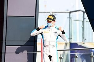 Jack Aitken, Campos Racing, arrives on the podium