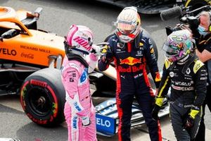 Max Verstappen, Red Bull Racing and and Nico Hulkenberg, Racing Point celebrate in Parc Ferme