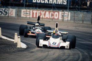 Carlos Pace, Brabham BT44B, Tom Pryce, Shadow DN5