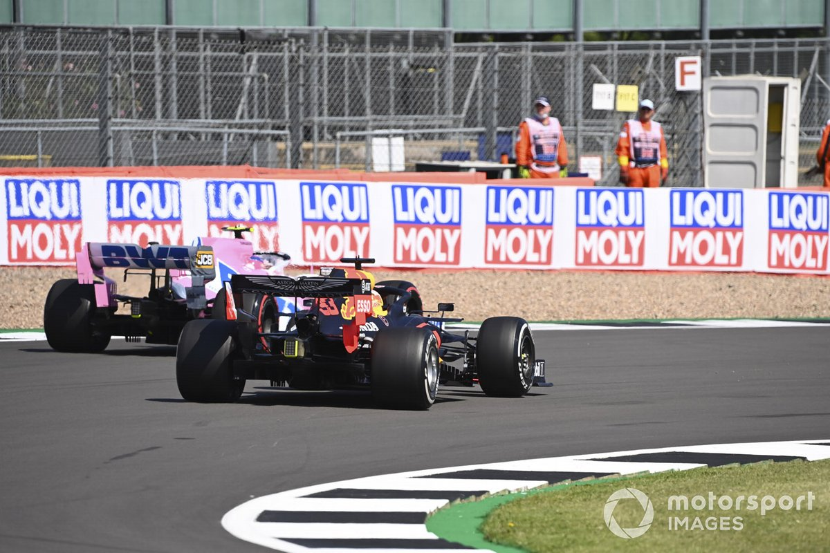 Max Verstappen, Red Bull Racing RB16, passa Lance Stroll, Racing Point RP20