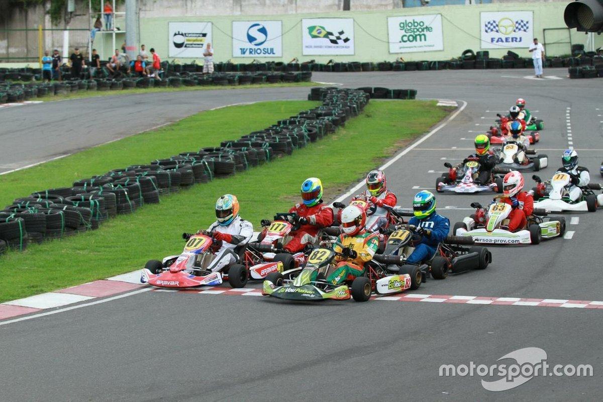Daniel Mageste na pole de kart