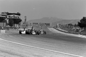 Jody Scheckter, Tyrrell 007, James Hunt, Hesketh Ford 308, Clay Regazzoni, Ferrari 312T