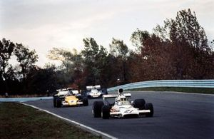 Jody Scheckter, McLaren M19A Ford leads Mike Beuttler, March 721G Ford and Sam Posey, Surtees TS9B Ford