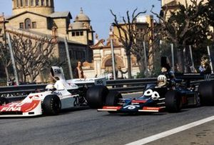 Tom Pryce, Shadow DN5 Ford et Arturo Merzario, Williams FW01 Ford