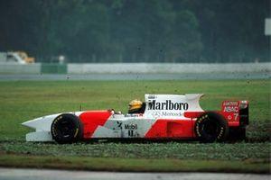 Mark Blundell, McLaren MP4-10 spins off