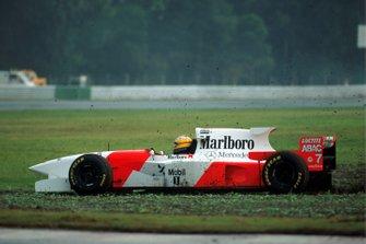 Mark Blundell, McLaren MP4-10 fuori pista, GP d'Argentina del 1995