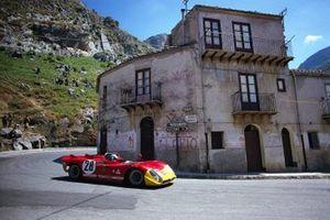 Piers Courage, Andrea de Adamich, Autodelta SpA, Alfa Romeo T33/3