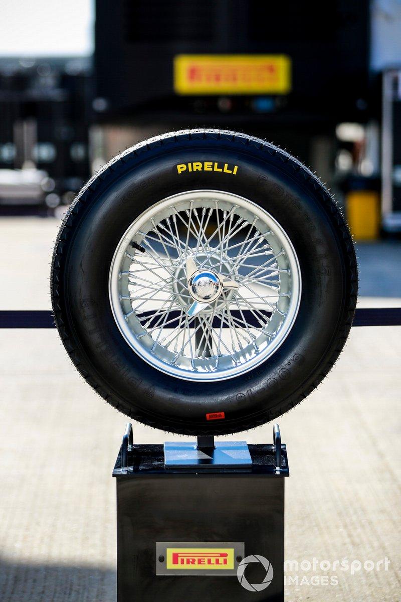 Pirelli Stella Bianca