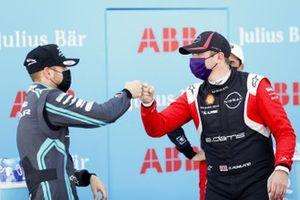 Tom Blomqvist, Panasonic Jaguar Racing , Oliver Rowland, Nissan e.Dams fist bump