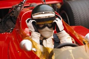 Jochen Rindt sulla nuova Lotus 72C Ford