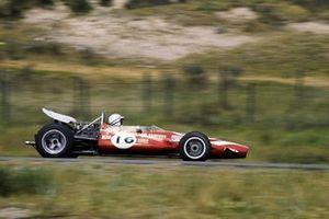 John Surtees, Team Surtees McLaren M7A