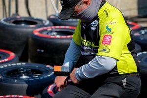 Charlie Kimball, A.J. Foyt Enterprises Chevrolet crew member, Novo Nordisk