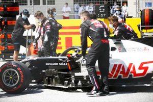 Кевин Магнуссен, Haas VF-20, на стартовой решетке Гран При Штирии