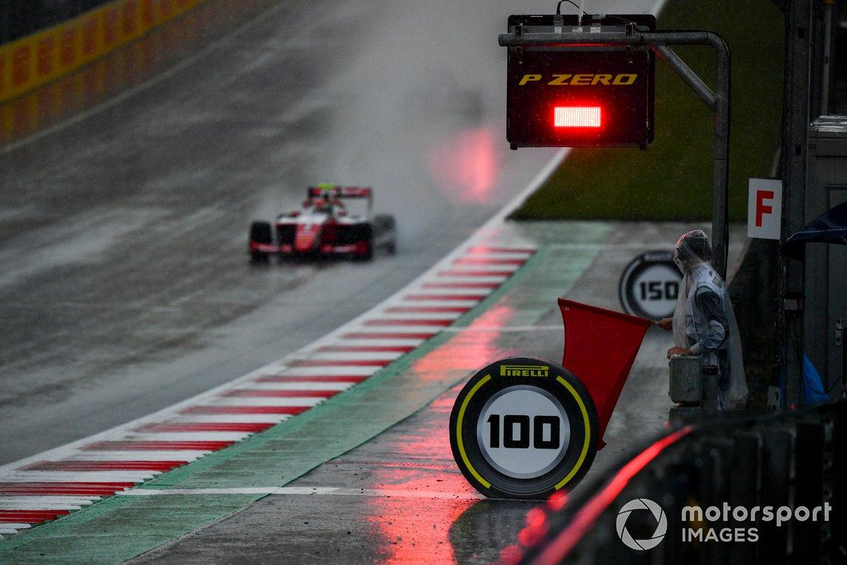 Frederik Vesti, Prema Racing, pasa delante de una bandera roja