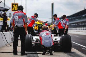 Механики обслуживают машину Марко Андретти, Andretti Herta with Marco & Curb-Agajanian Honda